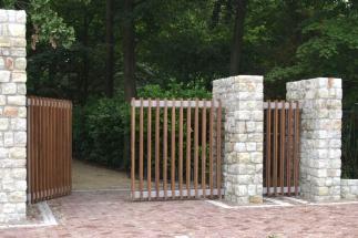 Design poort met hout