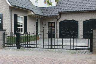 Elektrische lage klassieke poort