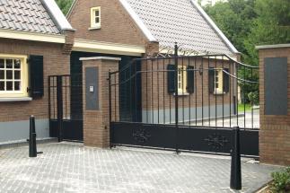 Elektrische klassieke poort